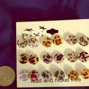 Jewelry - Acrylic Multi colored leopard studs. Nickel free.